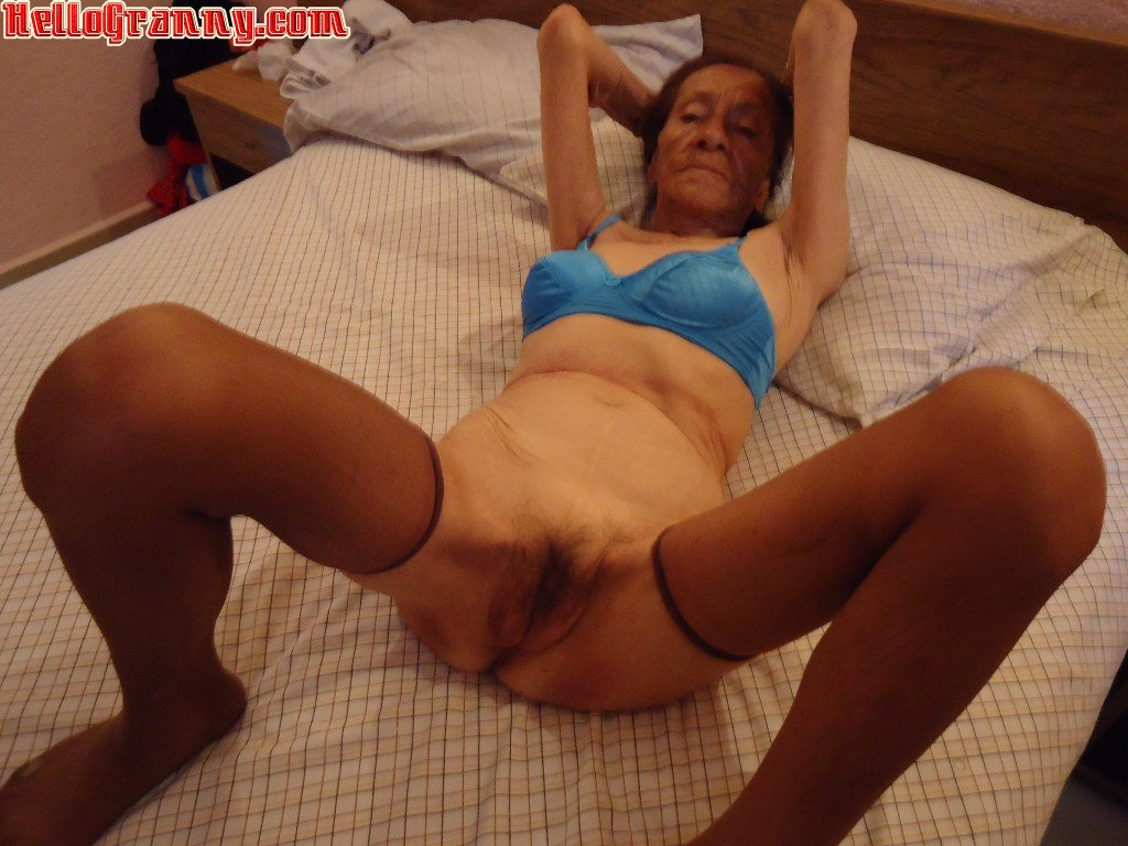 Oldnanny hot girl with strapon fucks big fat granny 5