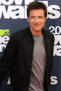Jason Bateman in Talks to Direct and Star in CLUE Reboot With Ryan Reynolds