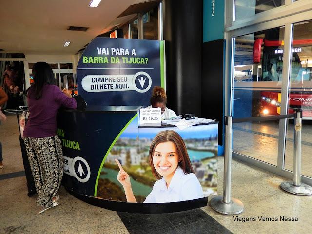 Guichê para compra do bilhete de ônibus com destino à Barra da Tijuca