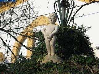 Fonte e Fontanário do Jardim São João da Luz de Castelo de Vide, Portugal (Fountain)