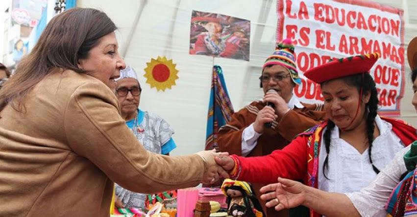 MINEDU: Con colorido pasacalle adultos mayores celebran Día de la Alfabetización - www.minedu.gob.pe