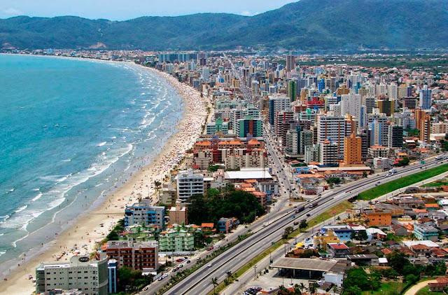 Imagem aérea de Itapema