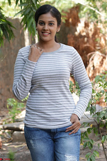 Actress Chandini in ed Tight Top at Ennodu Yilayadu tamil movie press meet ~  51.jpg