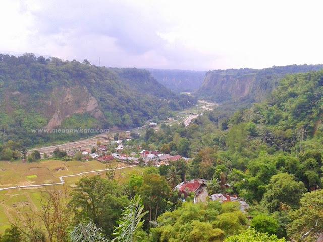 Temukan Ketenangan di Ngarai Sianok, Bukit Tinggi