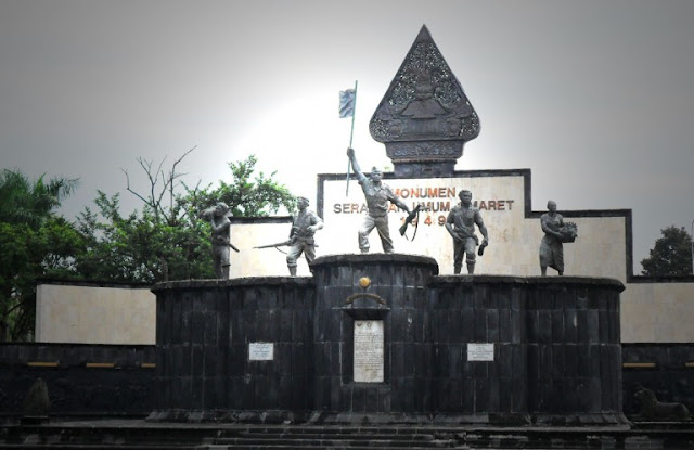 Foto Tugu monumen serangan umum 1 maret 1949