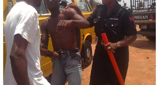 BUS CONDUCTOR CRUSH PASSENGER'S SCROTUM IN LAGOS