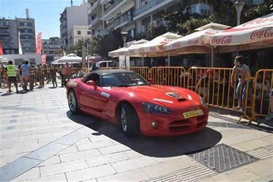 patra-8o-pick-loux-cola-ricardo-rosati-kai-supercars-anebasan-to-thermometro-sta-ypsh-fwto
