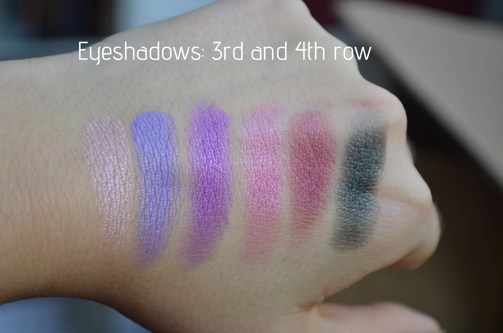 The last items in the palette are their glitters. There is 4 shades and I like to use them sometimes on top of my shadows. But it does make them crease a ...