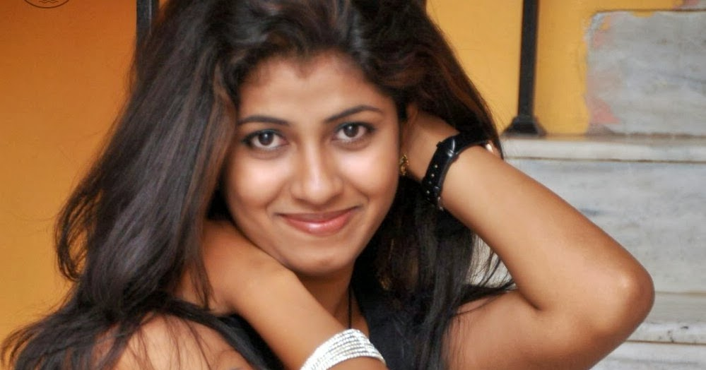 Actress Geethanjali Hot Thigh Show Photo Gallery