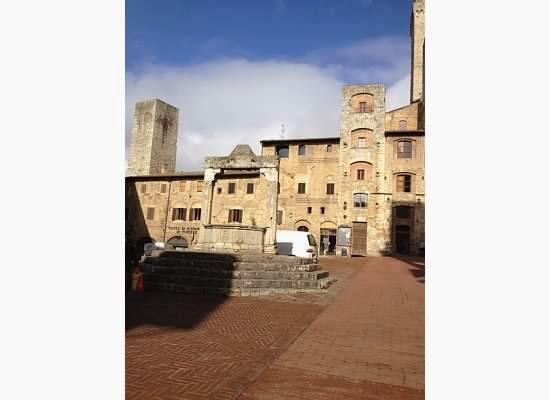 San-Gimignano-Tuscany-Glam-Italia-Tour-13