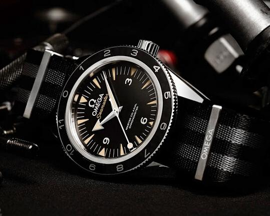Reloj Omega Negro