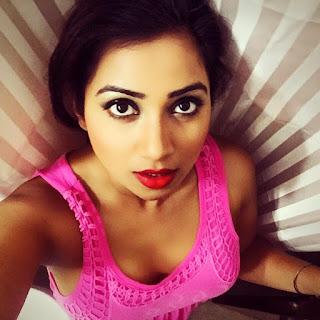Shreya Ghoshal Indian Singer Big Boobs Hot Photos