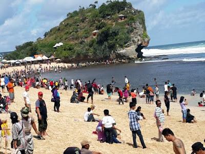 Keindahan Pantai Indrayanti Gunung Kidul, Yogyakarta