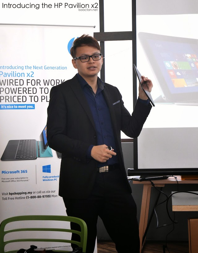 James from HP introducing the HP Pavilion x2 to the media present