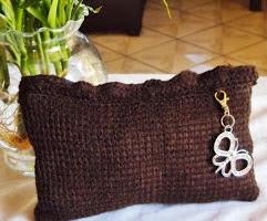 http://translate.googleusercontent.com/translate_c?depth=1&hl=es&rurl=translate.google.es&sl=en&tl=es&u=http://damnitjanetletscrochet.blogspot.com.es/2013/06/tunisian-make-up-baggy.html&usg=ALkJrhgD4js2G1-NHpzf3uzpkGnFLUxWig