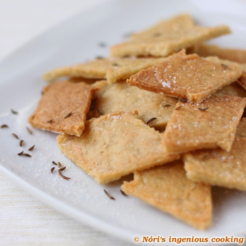 Caraway saltines in 30 min. incl. baking! (gluten-free, vegan recipe)