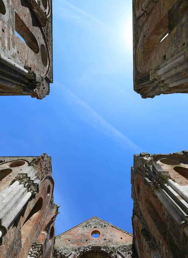 Innenansicht San Galgano Abtei Kloster in der Toskana