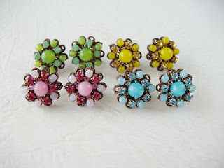 mdmbutiik, vintage style, jewelry, jewellery, blue, pink, green, yellow, Estonia