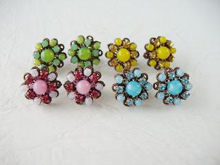 mdmbutiik, vintage style, jewelry, jewellery, blue, pink, green, yellow, Estonia