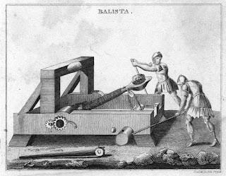 Un dibujo con una catapulta primitiva, como las que pudieron usarse en el asedio a Siracusa.