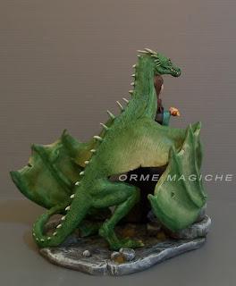 statuette modellini fantasy personalizzati draghi maghi collezione orme magiche