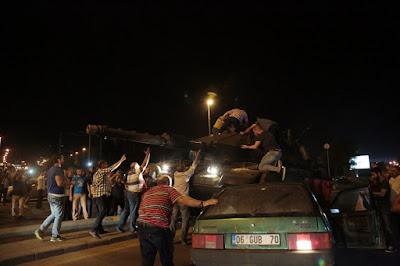 Turquia: Atacam igrejas durante manifestações contra tentativa de golpe
