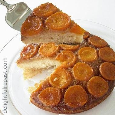 Apricot Upside-Down Cake / www/delightfulrepast.com
