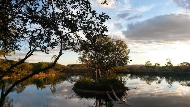 Lago na Chapada dos Veadeiros.
