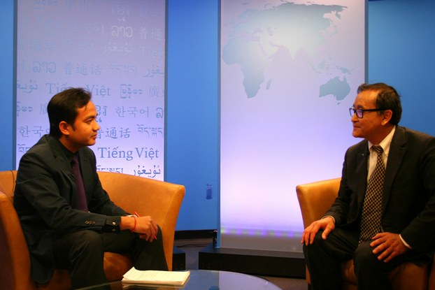 Sam+Rainsy+interview+on+RFA+09May2013+(RFA).jpg
