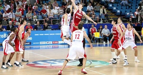 Peraturan Atau Prosedur Pelaksanaan Bola Loncat Jump Ball Dalam Pertandingan Bola Basket Edukasi Center
