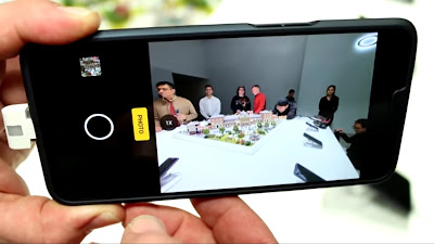 Oppo's 10x Lossless zoom smartphone B