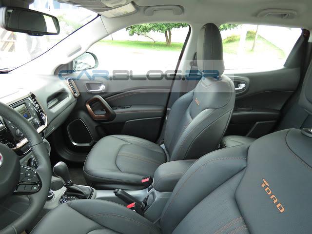 Fiat Toro 2.0 Diesel Volcano 4x4 - interior