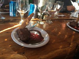Sobremesa do almoço no Refugio Roca Negra em Bariloche