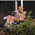 """Cantor Chris Brown diz que agarrou mulher pelo pescoço de """"brincadeira"""""""