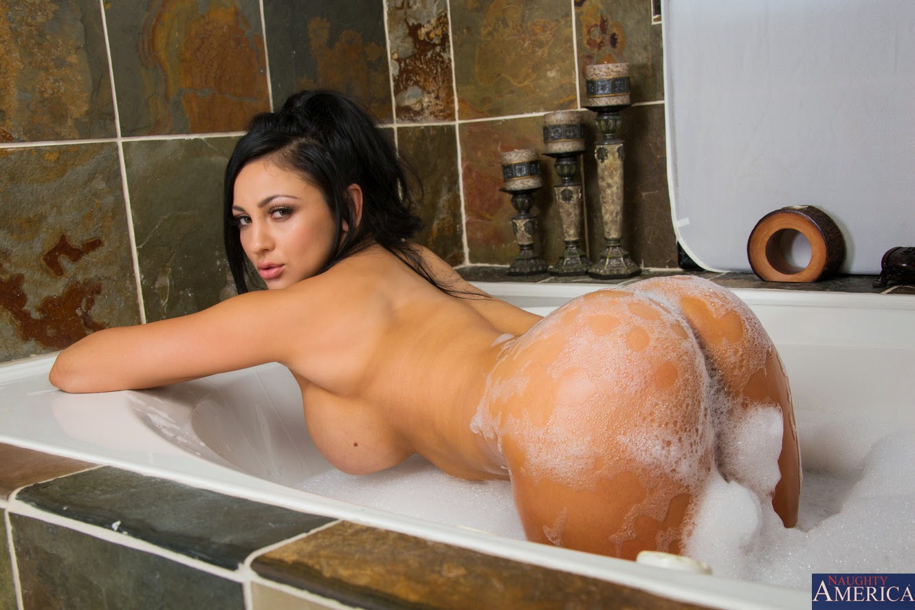 Porn In The Tub 121