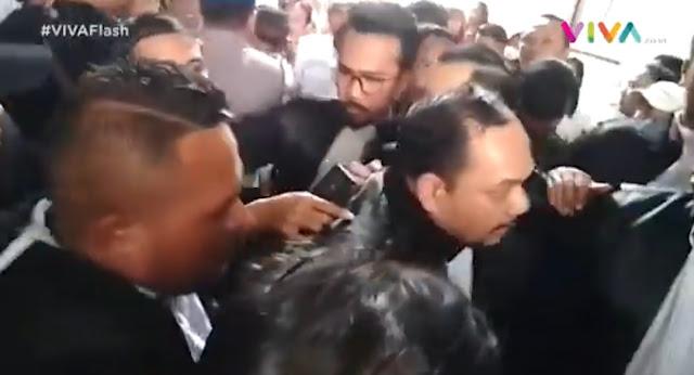 Ricuh! Adu Mulut Hingga Saling Dorong Jaksa dan Pengacara Usai Sidang Ahmad Dhani