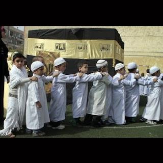 Manasik haji anak menggunakan gamis
