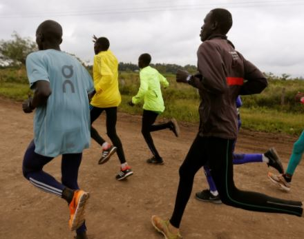 Sierra Leone bans street jogging for 'obstructing traffic' and 'pick pocketing'