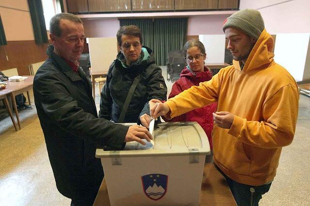 A Eslovênia votou NÃO ao 'casamento homossexual' e a adopção de crianças por esses 'casais'.