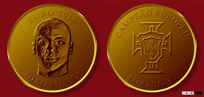 Meme com Medalha Comemorativa da Conquista do Euro 2016 pela Seleção Nacional de Portugal – João Mário.