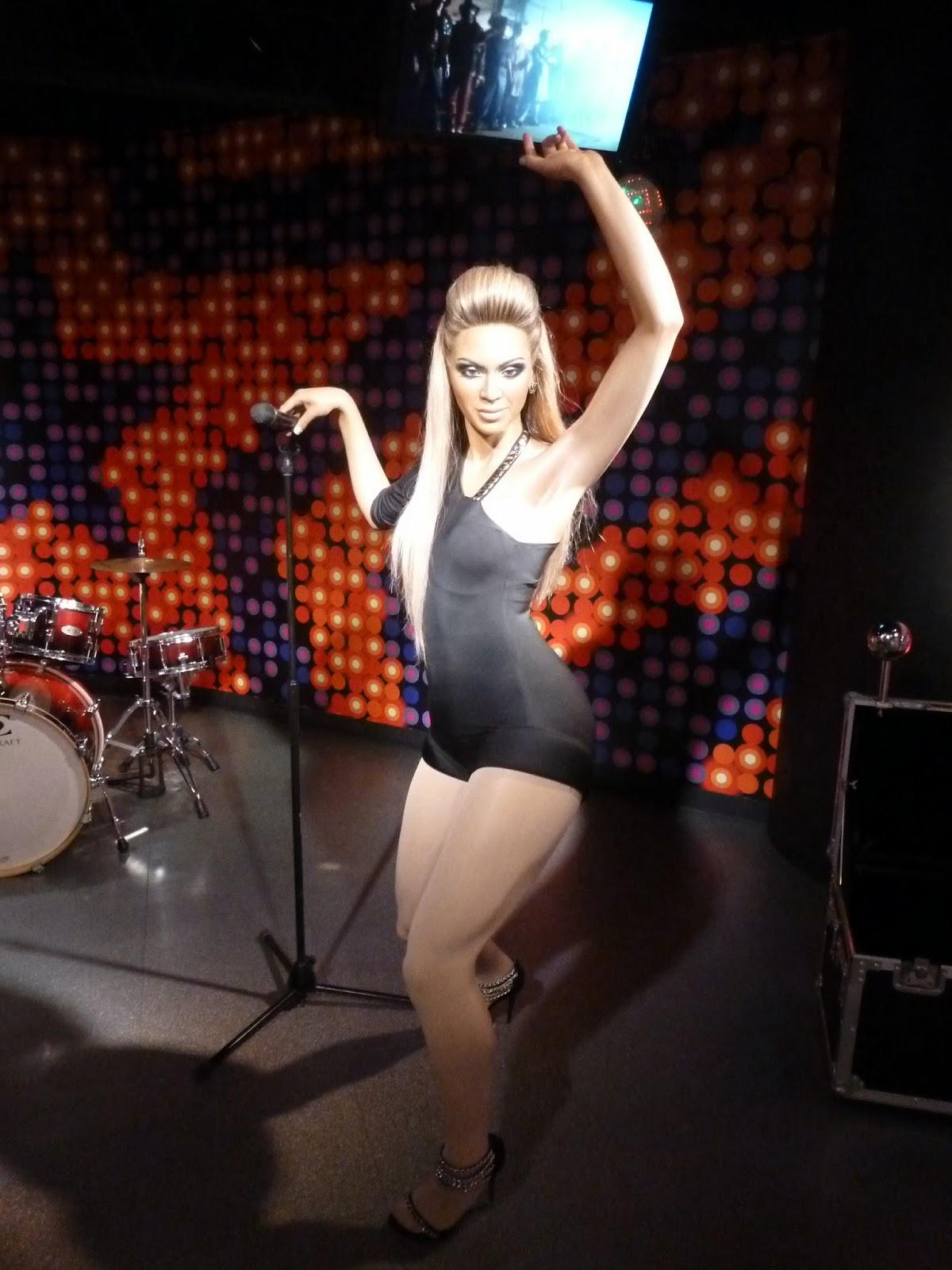 Feet Cleavage Valerie Cruz  naked (67 photo), Facebook, braless