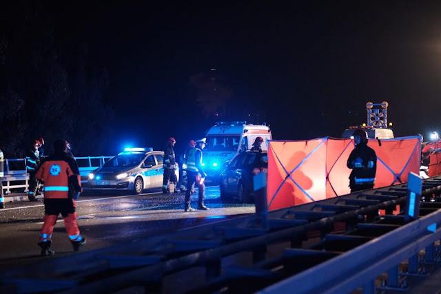Karambol na S1. Jedna osoba nie żyje, 18 osób zostało rannych,  w tym 4 dzieci