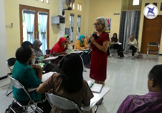 Diskusi kelas public speaking