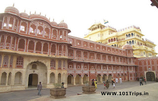 city palace jaipur,places to visit in jaipur,tourist spots in jaipur