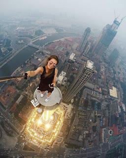 Ile jesteś w stanie zrobić dla lajka? Niebezpieczne selfie!