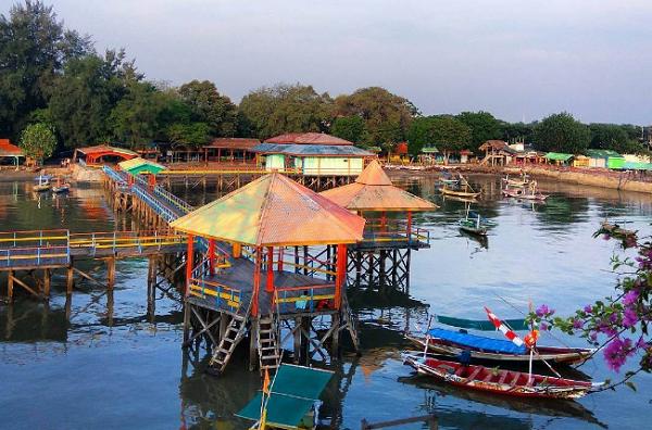 tempat wisata di Surabaya Pantai Ria Kenjeran
