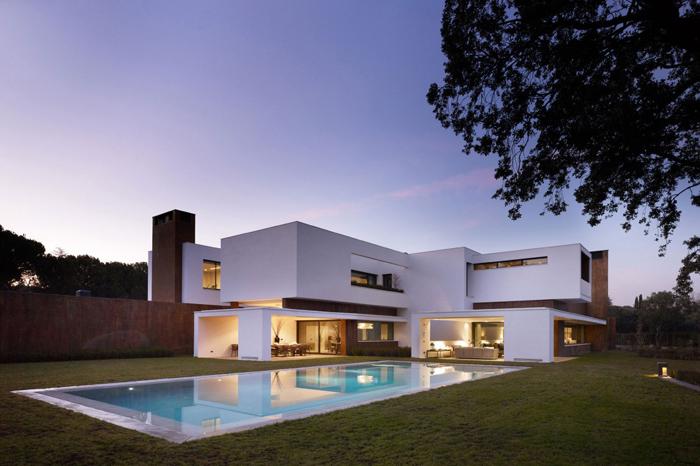 Casas minimalistas y modernas casa minimalista en madrid for Casa minimalistas