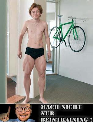 Starke Beine schmaler Oberkörper lustige Menschen mit Text