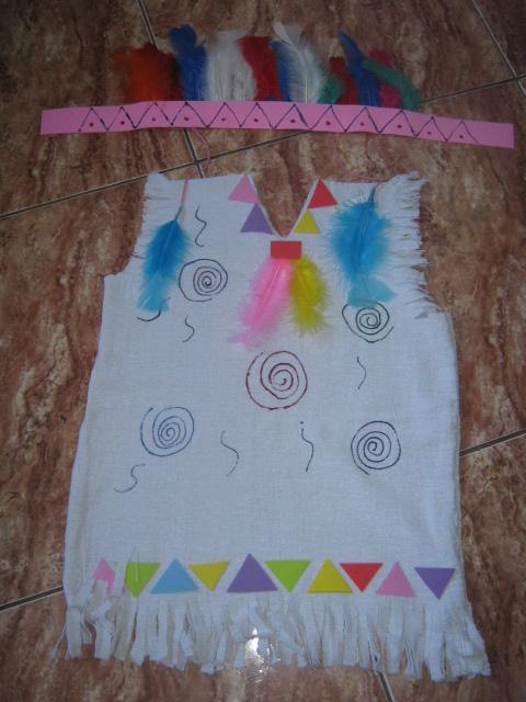 disfraz de indio con bolsas de basura