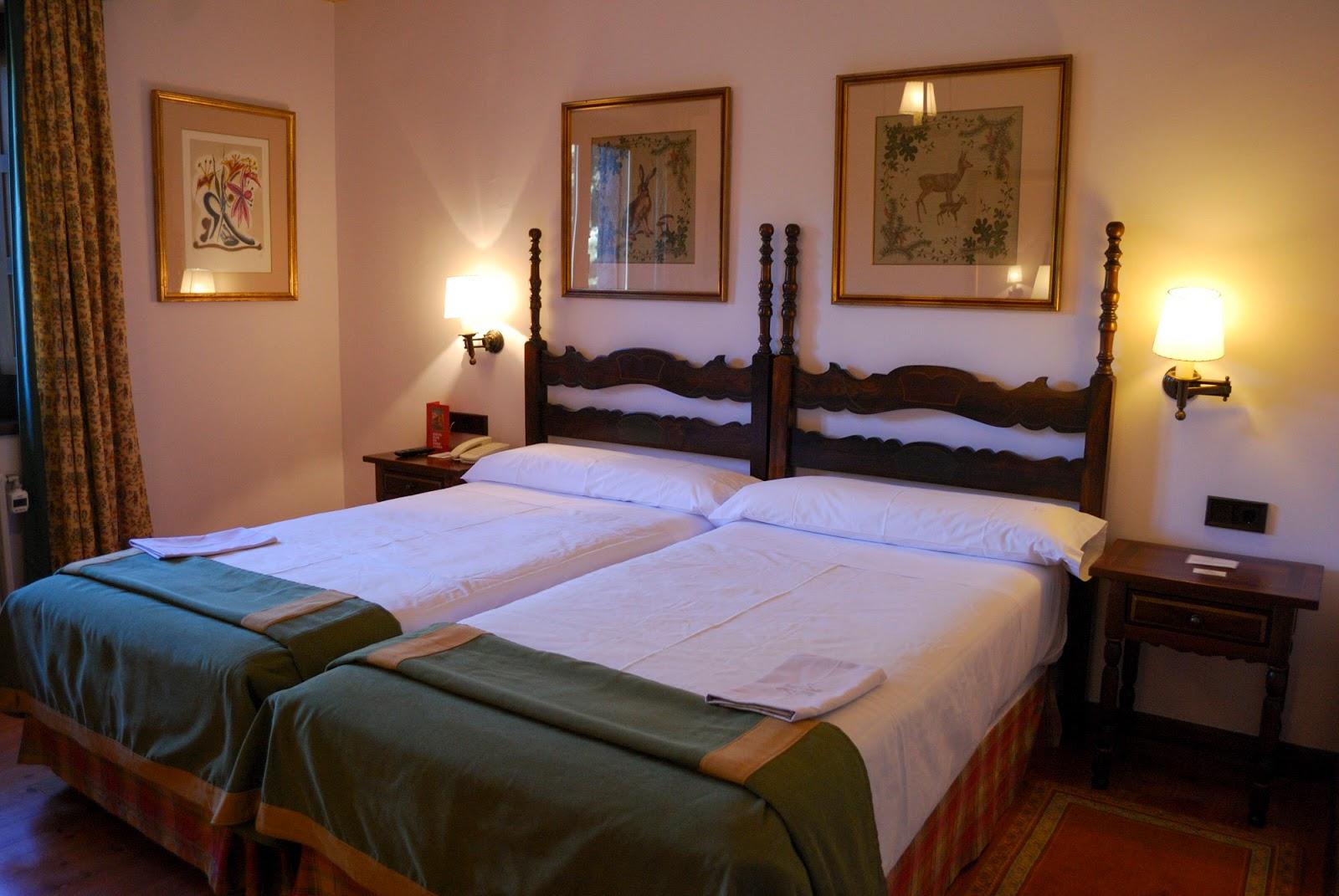 parador gredos sierra room habitacion luxury hotel spain